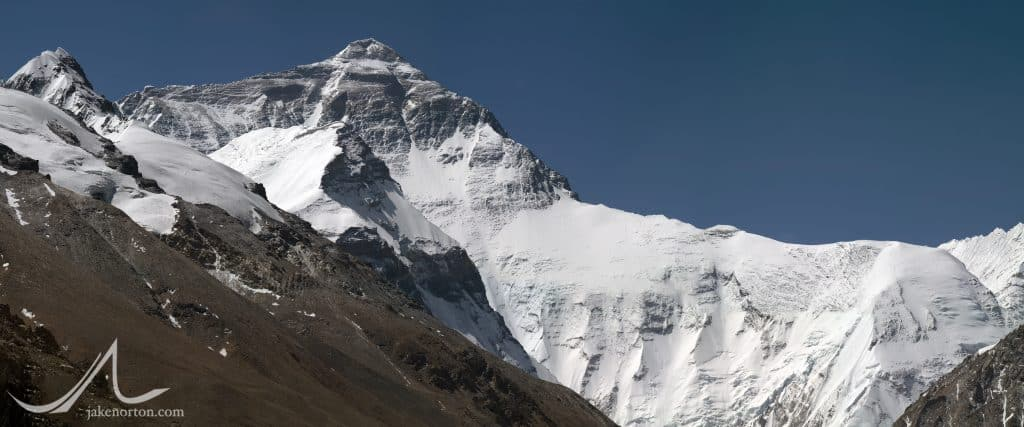 Panorama of the North (Tibetan) side of Mount Everest.Panorama of the North (Tibetan) side of Mount Everest.